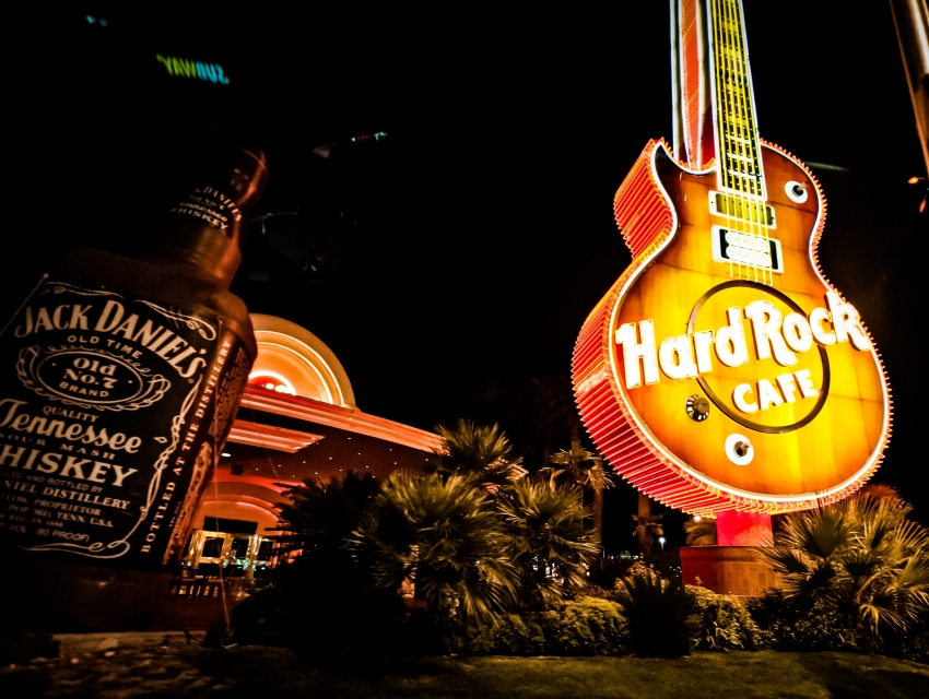 Hotels Near Hard Rock Cafe Las Vegas
