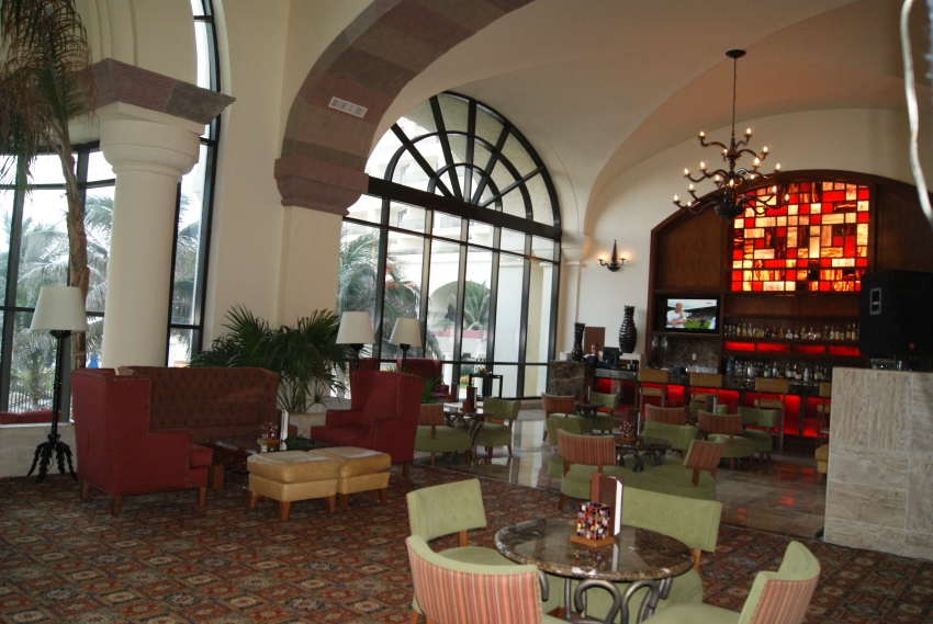 Marriott CasaMagna Lobby Bar