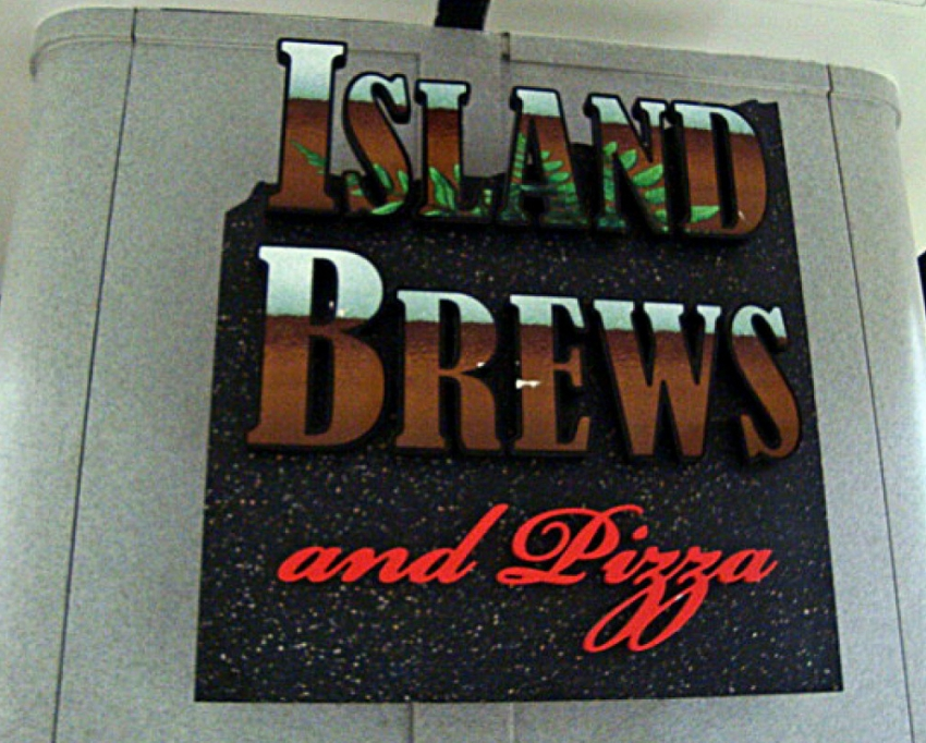 Island Brews & Pizza